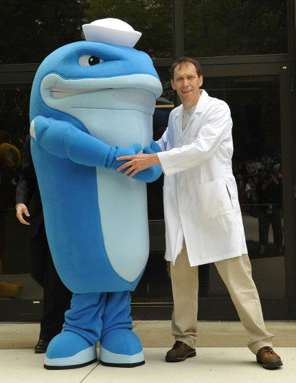 walking-whale-mascot-costume-01